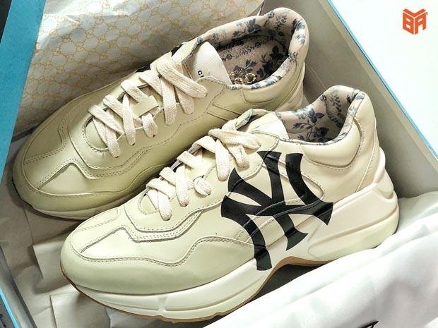 Hãy bảo quản đôi giày kĩ lưỡng