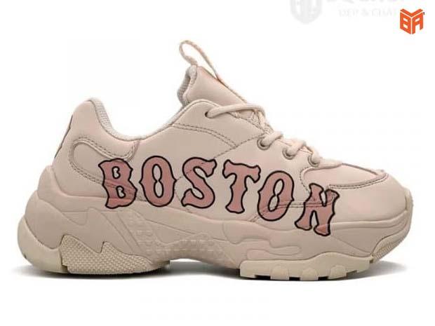 MLB Boston hồng