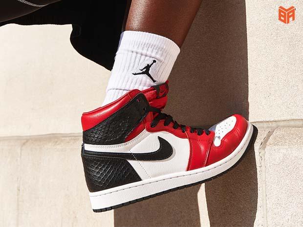 Giá tiền đôi Jordan 1 Real