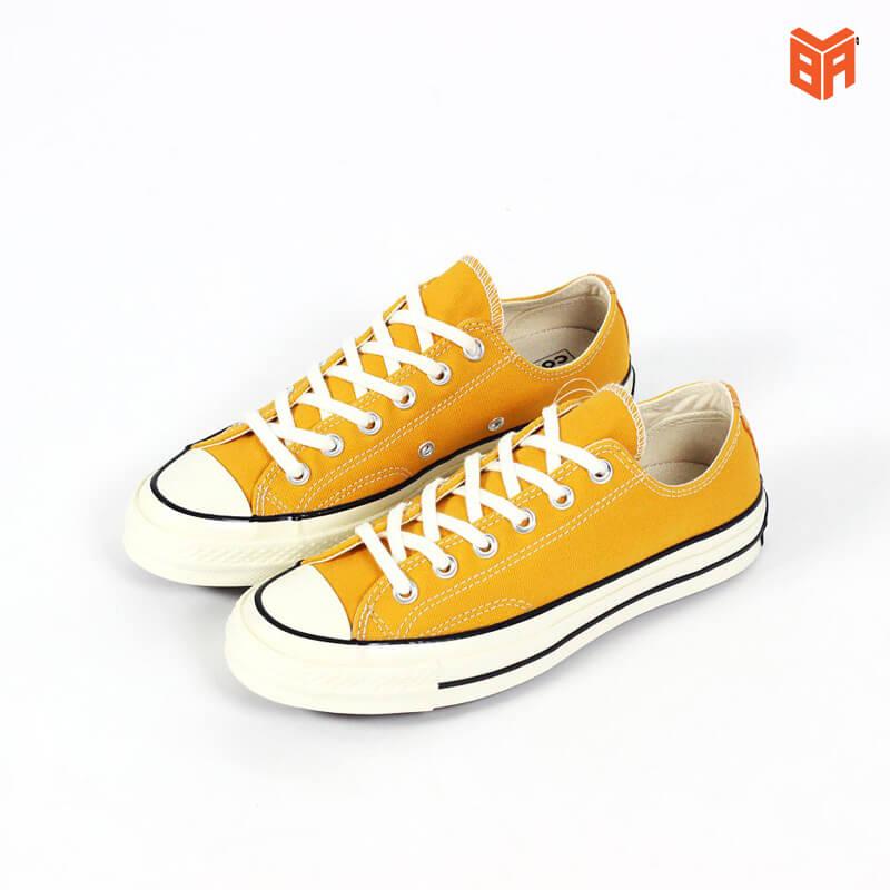 phối đồ với giày converse màu vàng CỔ NGẮN