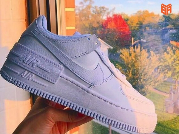 5 đôi sneaker dễ phối đồ nhất dành cho các bạn nam nữ.