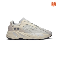 Adidas Yeezy Boost 700 Analog Trắng (Rep11)